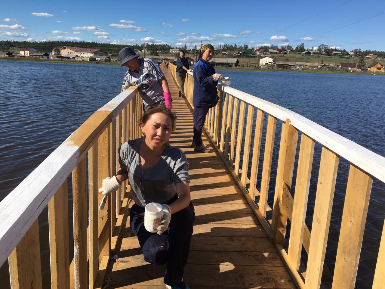 """Пешеходный мост через озеро """"Ус-Кюель"""""""